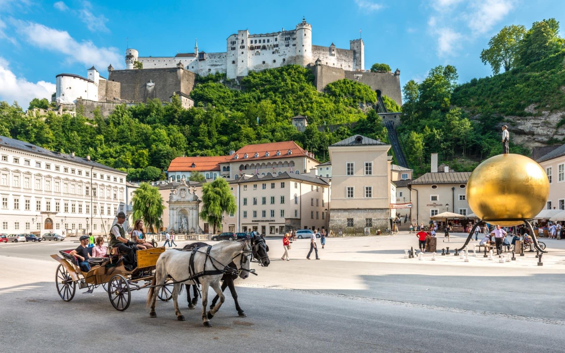 Kapitelplatz mit Blick auf Festung Hohensalzburg © Tourismus Salzburg